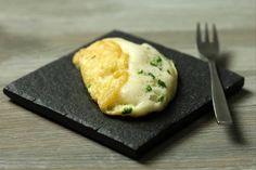 Recette de Omelette soufflée à la ciboulette et chèvre frais
