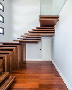 Staircase Design 💭 designer & location unknown ~ RG via D.Signers 📷
