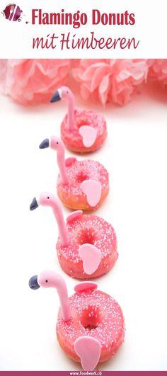 Himbeer Donuts einmal etwas anders. Mit diesen Flamingo Donuts holt ihr euch den Sommer auf den Tisch. Mit Himbeeren schmecken sie einfach wunderbar.