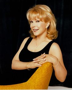 """Barbara Eden (""""I Dream of Jeannie"""") Barbara Eden, I Dream Of Jeannie, Vintage Hollywood, Classic Hollywood, Julie Andrews, Famous Women, Famous People, Classic Beauty, Beautiful Actresses"""