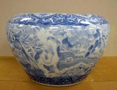 japanese hibachi | Japanese Porcelain Blue & White large Hibachi : Lot 58