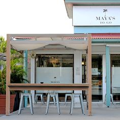 Pre-hike takeout at Maya's To Go | What To Do In St. Barth