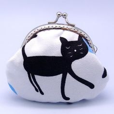 Black cat Small clutch / Coin purse by gracefulcrafts, via Etsy. Purses And Bags, Small Purses, Coin Purses, Lining Fabric, Cotton Fabric, Cute Coin Purse, Cat Bag, Black Kitty, Black Cats