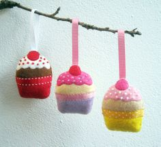 Christmas Tree Cupcake Decorations  Felt by ClaireyLouCreations, $32.00 #Christmas