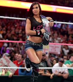 If only she didnt marry cm punk and leave wwe, she would be still here... she was one of the greatest in wwe, then, now, forever