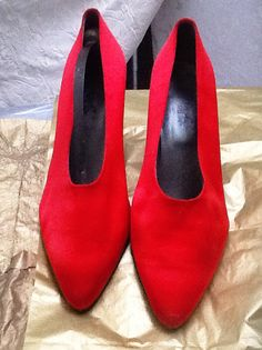 Red Satin 9B Peter Fox Gorgeous Court Pump -1920 s reproduction. Etsy 2c5ac40ba