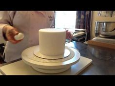 Pinched Sharp Edge Fondant Tutorial by Renay Zamora of Sweetface Cakes