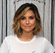 Metallic Balayage - Low Maintenance Hair Color Ideas For Lazy Girls - Livingly Wavy Bob Hairstyles, 2015 Hairstyles, Short Hairstyles For Women, Summer Hairstyles, Sophia Bush Hairstyles, Asymmetrical Hairstyles, Classic Hairstyles, Bob Haircuts, Brunette Girls