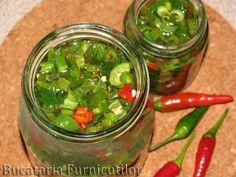 Bucataria Furnicutilor: Ardei Iuti cu Telina Pickles, Cucumber, Food, Canning, Meals, Cauliflowers, Yemek, Pickle, Zucchini