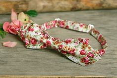 Bow Tie off white with deep pink Flowers  Bow by TheBestBoysTies