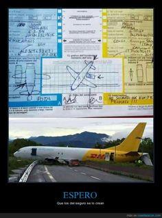 Coche vs avión - Que los del seguro se lo crean   Gracias a http://www.cuantarazon.com/   Si quieres leer la noticia completa visita: http://www.estoy-aburrido.com/coche-vs-avion-que-los-del-seguro-se-lo-crean/