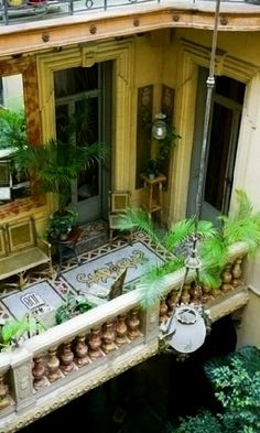 Parisian apartment - Paris, France   www.lab333.com  www.facebook.com/pages/LAB-STYLE/585086788169863  www.lab333style.com  lablikes.tumblr.com  www.pinterest.com/labstyle