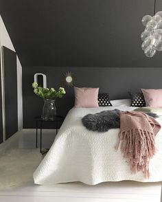 Grey Black and White Bedroom Lovely the Gorgeous Bedroom Of Jorunn Ls Love the Black Pink and Charcoal Bedroom, Bedroom Black, Small Room Bedroom, Trendy Bedroom, Bedroom Wall, Small Rooms, Black And White Bedroom Teenager, Charcoal Walls, Extra Bedroom