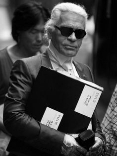 Karl Lagerfield * Those gloves, though!