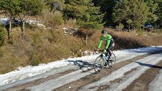 Salir a montar bicicleta en invierno puede ofrecer otra perspectiva de la práctica ciclista, y aquí te damos algunas razones para hacerlo.