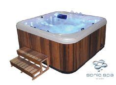gardenplaza ein sprudelnder whirlpool im garten ldt jung und alt zum badespa party unterm - Whirlpool Sichtschutz