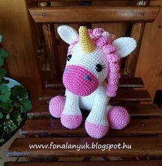 Crochet Animal Amigurumi, Crochet Animal Patterns, Stuffed Animal Patterns, Amigurumi Doll, Crochet Animals, Crochet Ideas, Crochet Pouch, Crochet Keychain, Cute Crochet