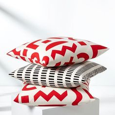 """Designer Ellen Van Dusen creates fun, graphic prints in her Brooklyn studio. Her inspiration is """"drawn from far-flung and unexpected places, like mid-century resort architecture, Italian industrial design, Scandinavian textiles, Google Maps and handwriting,"""" but all of her pieces are made in the USA."""