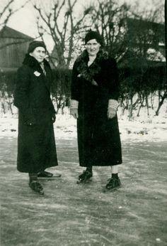 Dames op het ijs, 1920.