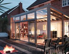 I love this idea for a sunroom extention off of the kitchen or conservatory. Modern Conservatory, Conservatory Extension, Conservatory Ideas Sunroom, Outdoor Rooms, Outdoor Living, Casas Containers, Marquise, Glass Roof, Interior Design