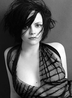 christina ricci photoshoot black and white Christina Ricci, Beautiful Christina, Christina Aguilera, Beautiful Celebrities, Beautiful Actresses, Gorgeous Women, Non Blondes, Actrices Hollywood, Famous Women
