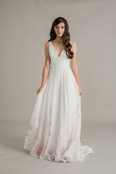 e9b364b034 Flora Bohém Esküvő, Esküvő Menyasszony, Esküvői Haj, Mariage, Menyasszonyi  Ruha, Eljegyzés