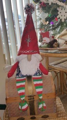 Christmas Gnome, Christmas Stockings, Health And Nutrition, Gnomes, Arts And Crafts, Holiday Decor, Home Decor, Interior Design, Art And Craft