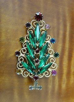 Vintage Hobe Multi Color Rhinestones Goldtone Tree Christmas Brooch Pin