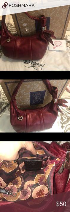 GREAT SERVICE! Beautiful Brighton Straw purse with original box and cloth bag
