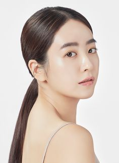 VERYHOUR 베리아워 - 밀크티스튜디오 Korean Photoshoot, Photoshoot Makeup, Korean Women, Korean Girl, Ulzzang Makeup, Korean Make Up, Glass Skin, Bride Portrait, Woman Face