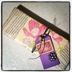 #France#romantic#wrapping#gift #flowers  & #love  #оформление#подарок в листы из #французский#роман про #любовь #упаковочнаябумага с цветами и #бирочка  Упаковываем Ваши подарочки #стильно и #красиво! #decorteam  #lala_decorteam