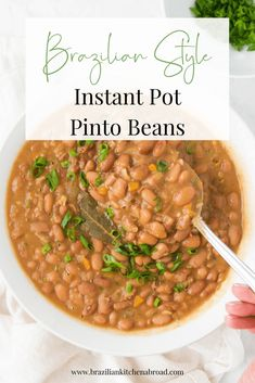 This tasty Instant Pot Pinto Beans recipe is packed full of flavorful veggies and spices. It's easy to make, highly customizable, and great for meal planning! Instant Pot Pinto Beans Recipe, Pinto Bean Recipes, Instant Pot Pressure Cooker, Pressure Cooker Recipes, Slow Cooker, Brazilian Black Beans Recipe, Brazilian Recipes, Hot Dog Pasta, Collard Greens With Bacon