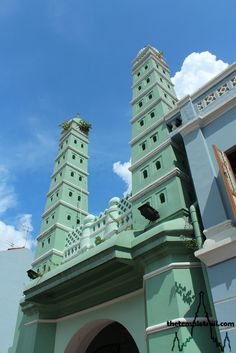 Masjid Jamae in Singapore's Chinatown. Built in 1826 by the Muslim Chulia Tamil community, the beautiful minarets of the mosque are a landmark of the city.