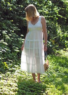 Lizzy from What Lizzy Loves: Feeling the Holiday Vibes in a White Midi and Espadrilles. Day To Night Dresses, Day Dresses, Casual Dresses, Fashion Dresses, White Lace, White Dress, Smart Dress, Cool Style, My Style