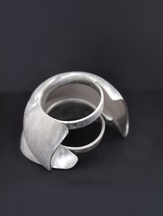 ALI STRINGELL-UK ring-'dyptych' 2 piece, fine silver