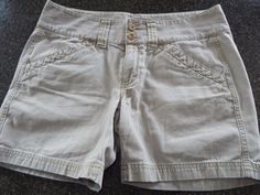 The North Face Womens shorts size 10, Beige , EUC, Fast Shipping  #TheNorthFace #CasualShorts