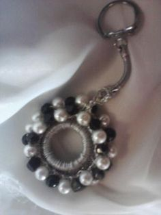 VINTAGE SARAH COVENTRY KEYCHAIN ~ LIKE NEW CONDITION, FREE SHIPPING