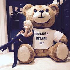 Gigi Hadid: This is not a Moschino Toy. Teddy Girl, Huge Teddy Bears, Giant Teddy Bear, Love Bear, Big Bear, Teady Bear, Moschino Bear, Gigi Hadid, Cuddling
