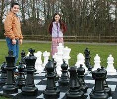 Resultado de imagem para tabuleiro de xadrez gigante