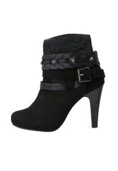 Tamaris: Korte zwarte laarzen <3