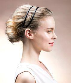 Kun oma hius ei riitä, ota avuksi hiuspannat ja valkit eli kampaustäytteet. Niillä voi huijata ohuisiin tai lyhyisiin hiuksiin helposti muhkeutta ja muotoa.Valkin avulla loihdit itsellesi sopivan täyt...