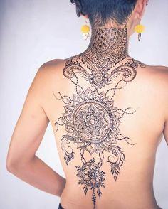 amazin mehndi tattoo on the back