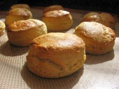 """biscuits"" au buttermilk pour les cheesy garlic... (remplacer le buttermilk par du yaourt)"