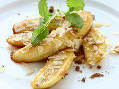 In nur 20 Minuten steht dieses süße Dessert auf dem Tisch! Gebratene Bananen mit Mandeln - smarter - Zeit: 15 Min. | eatsmarter.de
