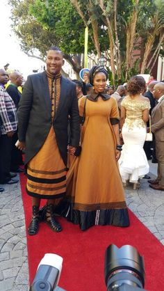 Stylish Xhosa attire - Mandla Mandela and his wife at the State of the Nation Address 2016 in Cape Town, South Africa. Picture by Gabi Mbele Xhosa Attire, African Attire, African Wear, African Women, African Dress, Traditional Fashion, Traditional Outfits, African Princess, Shweshwe Dresses