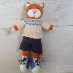 Ginger tom knitted for a gift, but he was hard to part with #knittersofinstagram #knittedbunny #knitting #knittedtoy #knittedwithlove #knittedrabbit #knittedrabbits #knittinginspiration #knitting