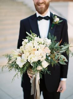 winter bouquet -- floral design by mary campbell -- photo by virgil bunao