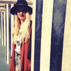 #Paris #boho #look #redlips #blondgirl #hat #asos #mode #style #parisienne #bohogirl #boheme #forever21 #blackandwhite #jaimeparis