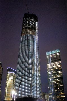 One World Trade Center Officially Becomes the Tallest Building in NYC (April 30, 2012)