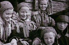 Sodan jälkeinen Lapin jälleenrakennus oli valtava urakka. Kun väki palasi Lapin sodan jälkeen evakkoreissultaan, oli kotiseutu raunioina.